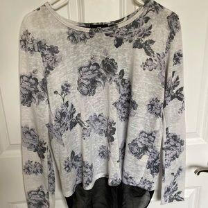 White and Black Long sleeve Top